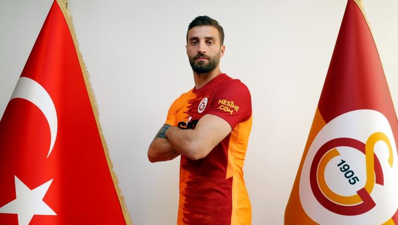 """""""Qalatasaray""""dan bir gündə iki transfer"""