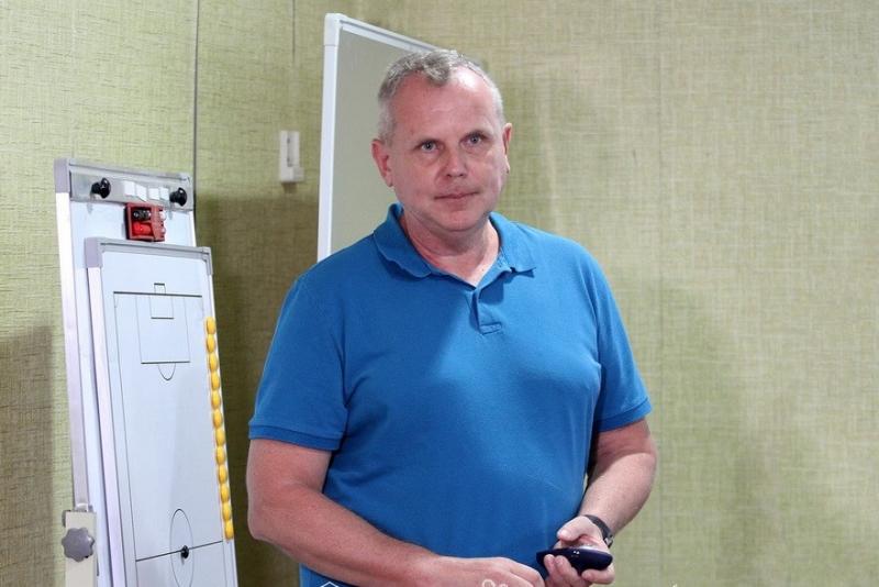 """Frits Stuxlikdən """"Neftçi"""" üçün seminar"""