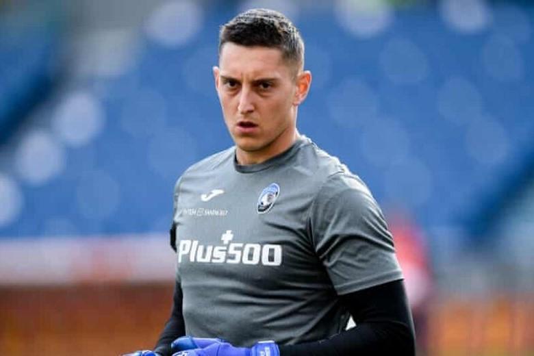 Paytaxt klubu yeni transferini açıqladı