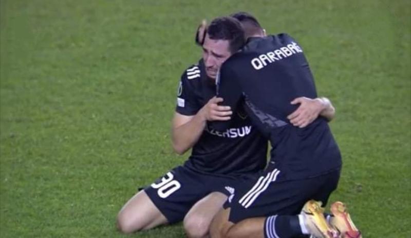 UEFA Abbas Hüseynovun qolunu fərqləndirdi
